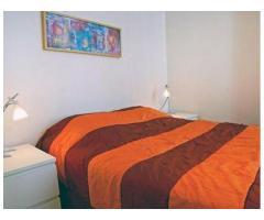 Comfortable furnishings: (19-21 Rue de Berri 75008 Paris, France)