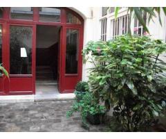 LITTLE STUDIO IN THE MARAIS-50 EUR/NIGHT (Marais)