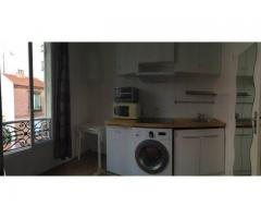 Paris charming, bright studio rent (Pere Lachaise)