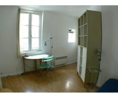 Bastille: very well located bright studio, in Cour Damoye (Paris 11th, France)
